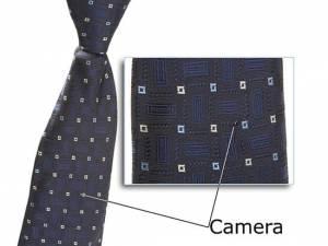 Skrytá kamera s mikrofonem v kravatě
